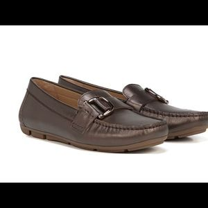 NATURALIZER Bronze Leather Loafers